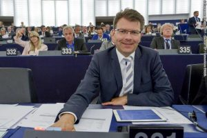Procurement reciprocity: Caspary report calls for return to full market access suspension