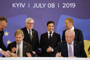 Jean-Claude Juncker, Volodymyr Zelensky, President of Ukraine; with Donald Tusk © European Council